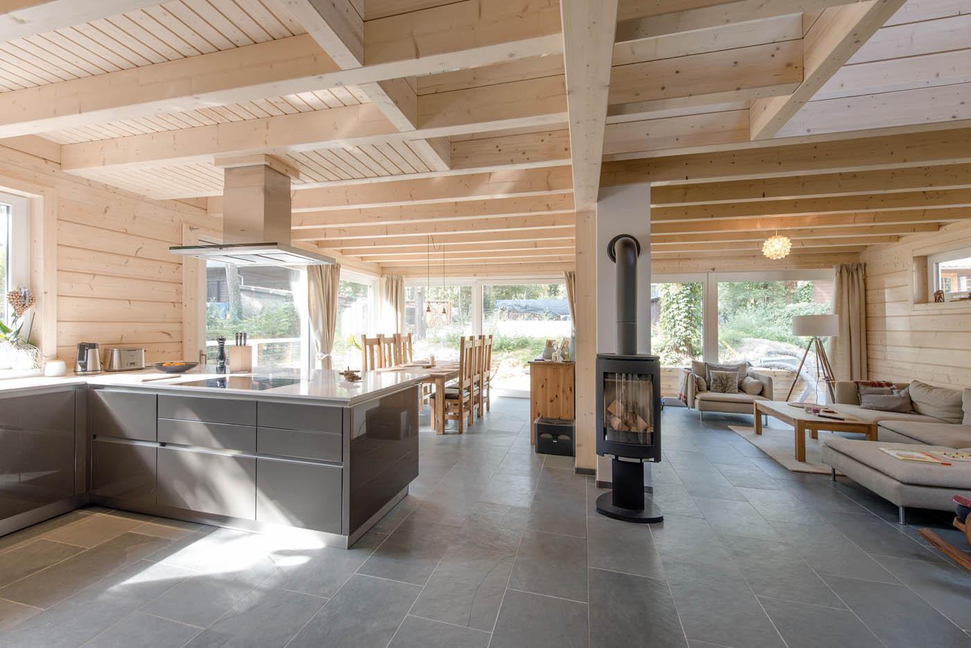 Decoration Interieur De Maison En Bois | Range Bois Interieur Maison ...