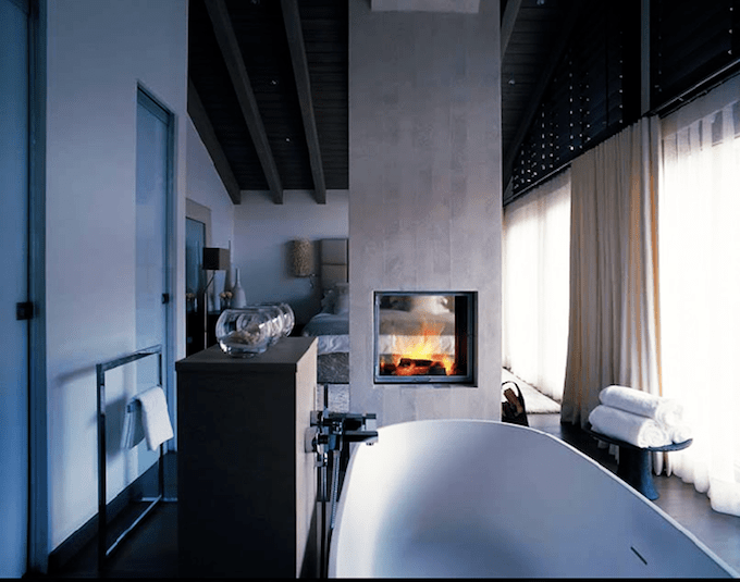Dreammy Bathroom Fireplaces