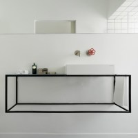 10 Extreme Minimalist Bathrooms with Essential Accessories