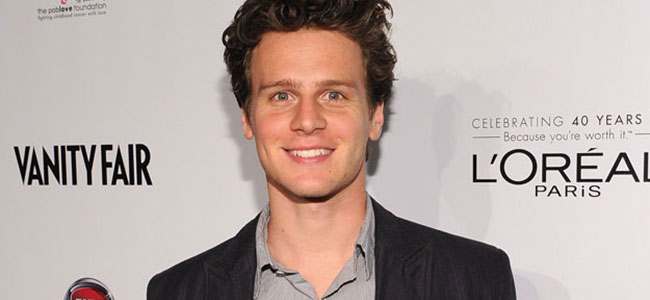 Jonathan-Groff-FEATURE