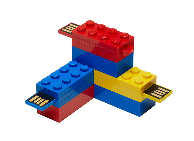 269342_LEGO-USB-Flash-Drive