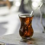 ウーロン茶に男性型脱毛症(AGA)の抑制効果が認められた!