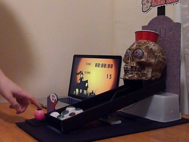 Skull Ball (Super Geek Beer Pong)