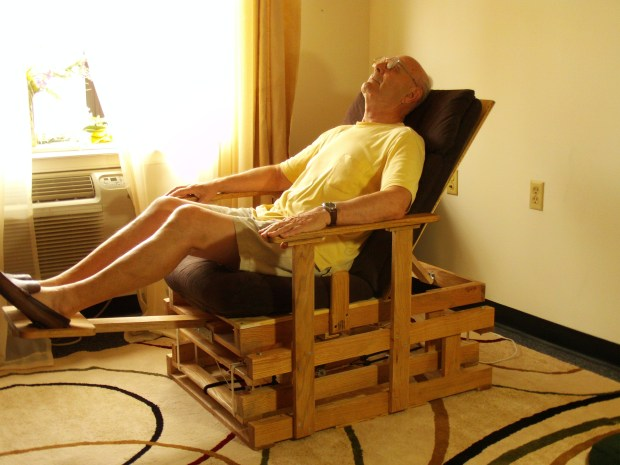 Transfomable Gliding Chair with Electric&nbsp;Actuator