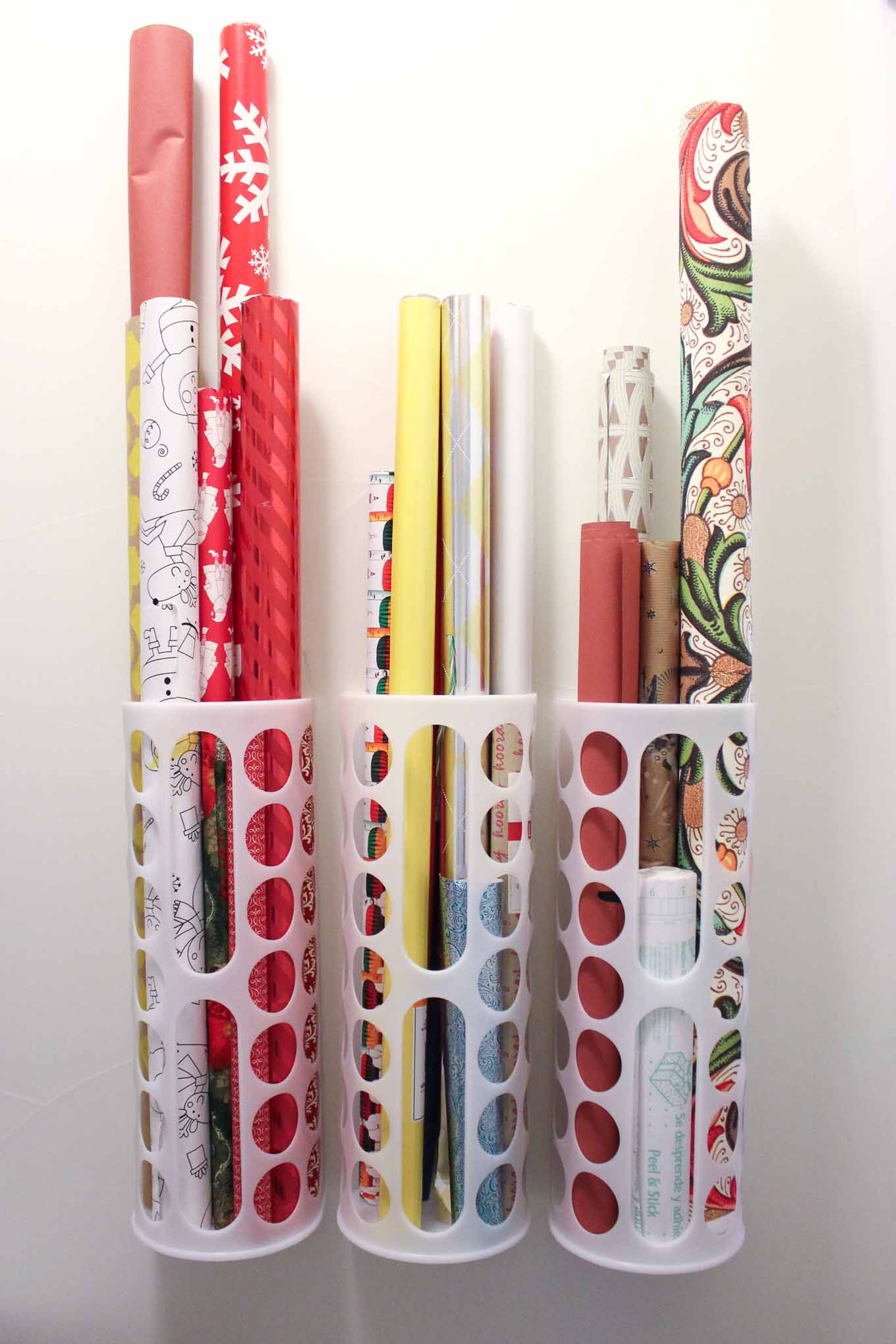 Cadeaupapier Opbergen Diy Vertical Wrapping Paper Storage Idea Ikea Hack