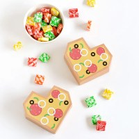 Make + give   Printable pizza heart gift boxes for Valentine's Day