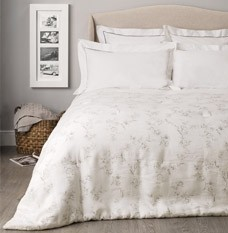 Emelie Comforter - The White Company