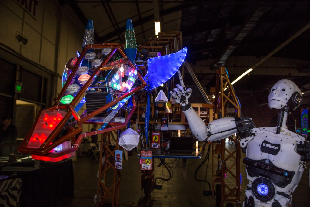 Maker Movement celebrities: InMoov meets Russell, the Electric Giraffe.
