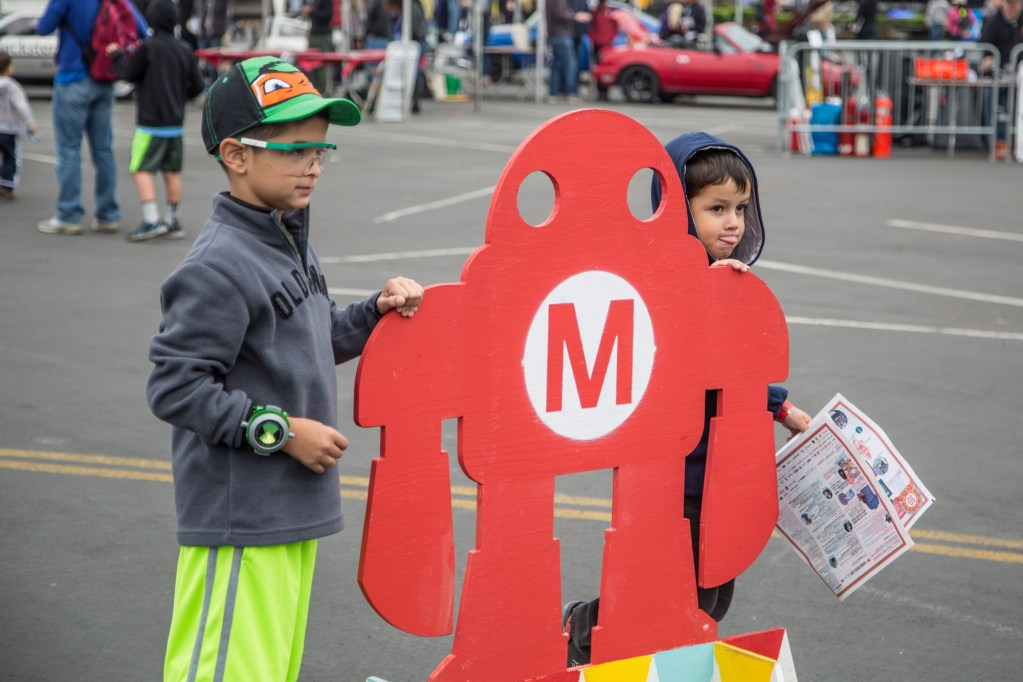 A photo opportunity with Makey.