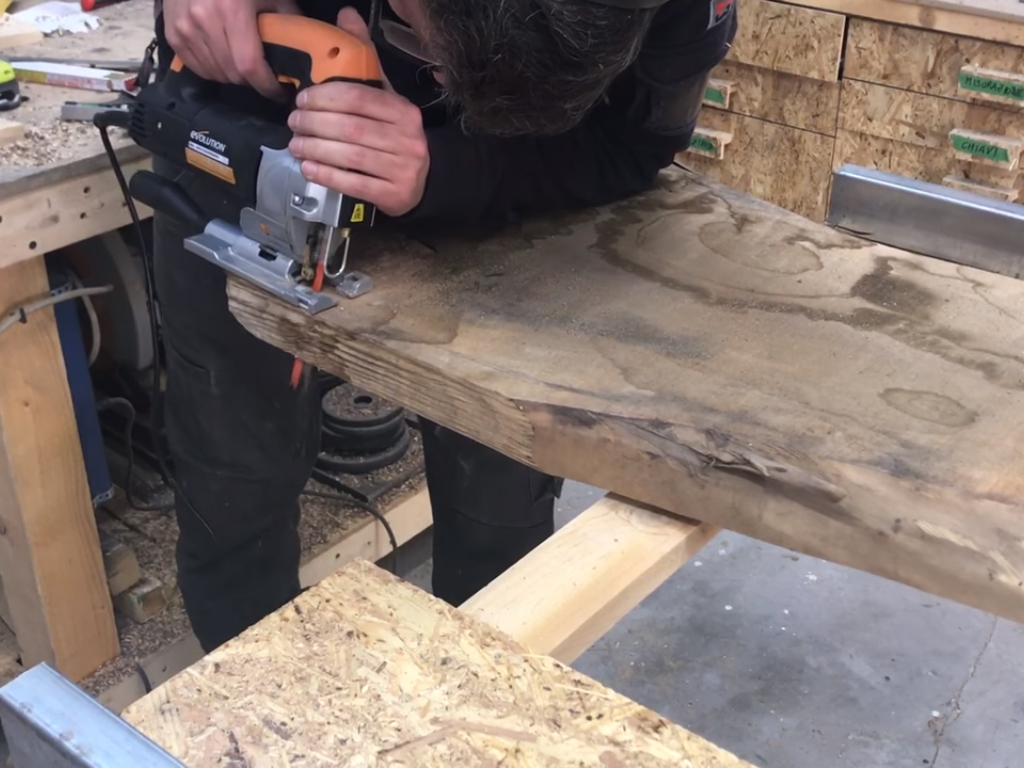 Tavolo In Legno E Resina Fai Da Te Per Hobbysti Makers At Work