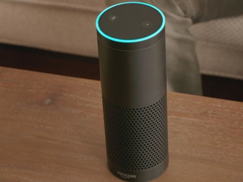 ECHO LO SPEAKER AMAZON CHE E' ANCHE UN ASSISTENTE VOCALE PERSONALE