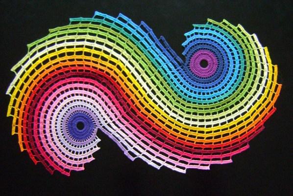 fractal-rainbow-table-runner-1