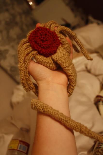 knitted-face-hugger-1