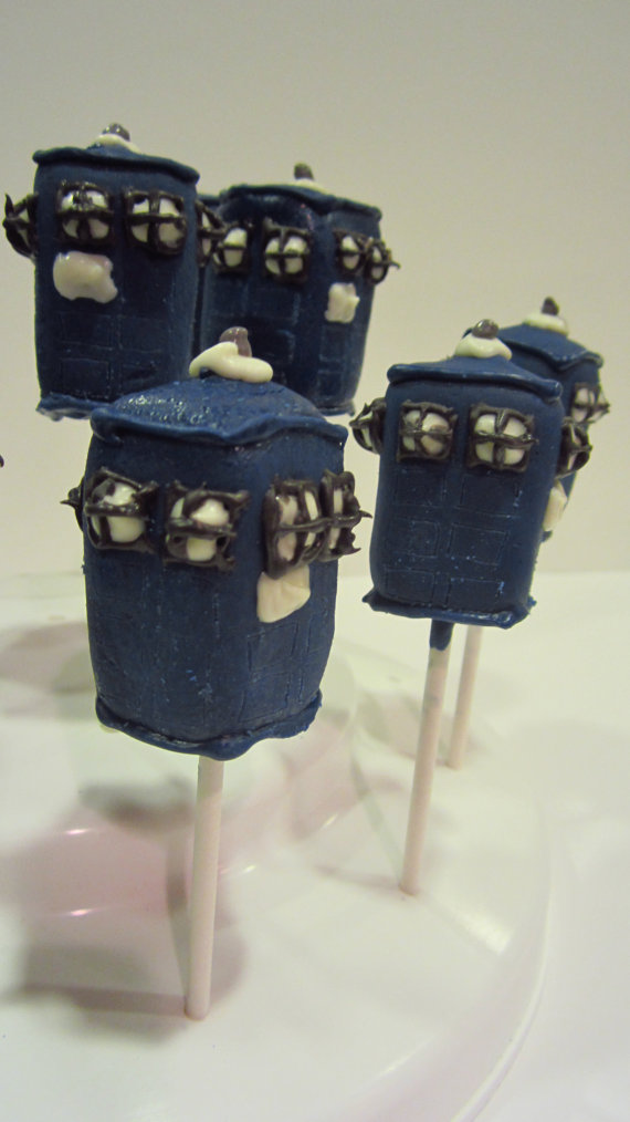 tardis-cake-pops-1