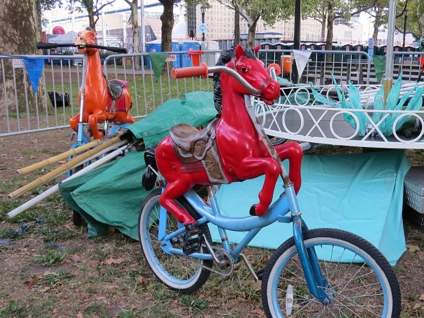 The Bike Zoo is pedal-power with puppets .