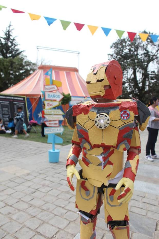 """""""Mark 9"""" costume by young maker Nicolas Cartes"""
