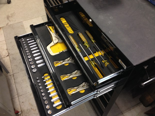 I hope I can afford tool drawers and organizers as gorgeous as these one day.