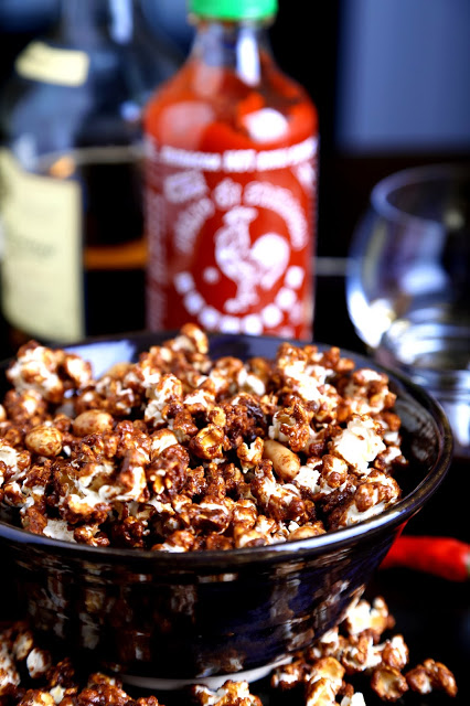 whiskey-sriracha-caramel-corn