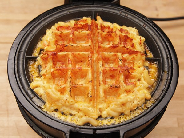 20140328-macaroni-and-cheese-waffles-16