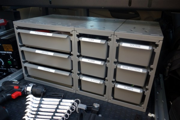 More storage on the smaller, front tray.