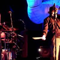 Les Claypool, pictured here in a monkey mask, popularized the whamola.