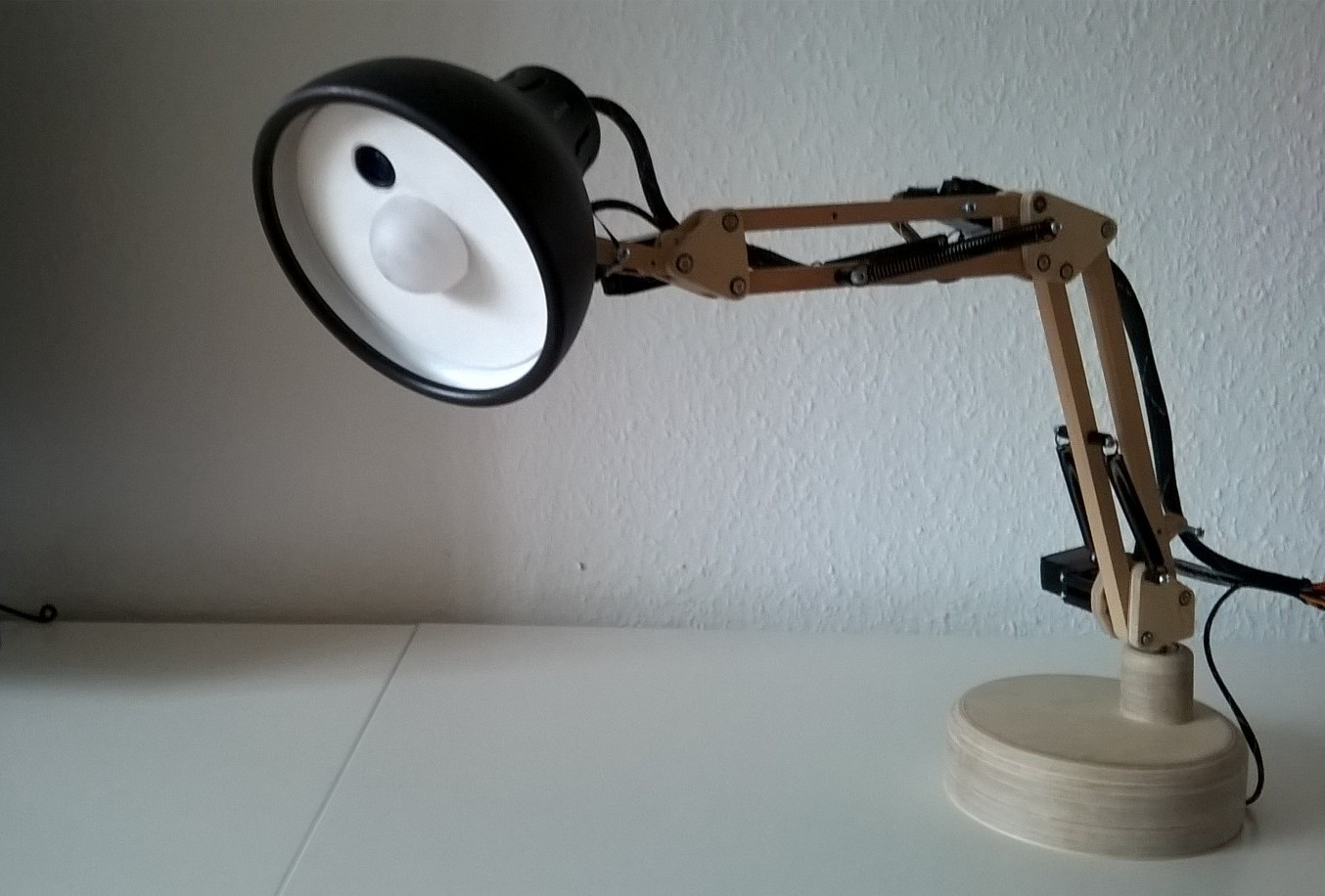 Pixar Desk Lamp Adorable Robotic Pixar Lamp Recognizes Your Face Make