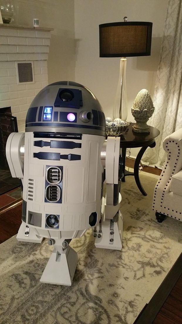 Painting is complete, R2 is almost ready for Maker Faire.