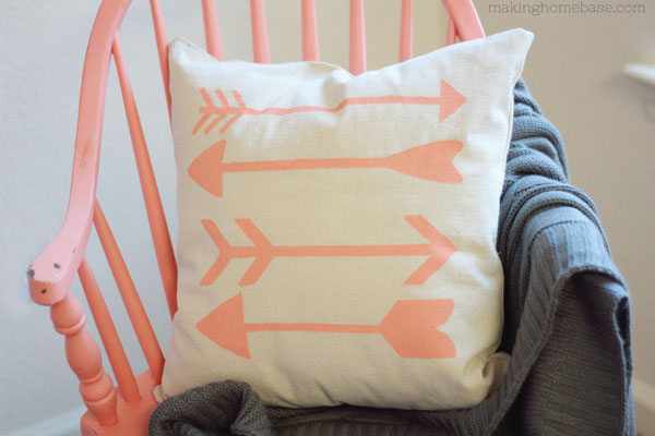 Sofakissen Pink Diy Stenciled Arrow Pillow A Simple Easy To Follow Tutorial