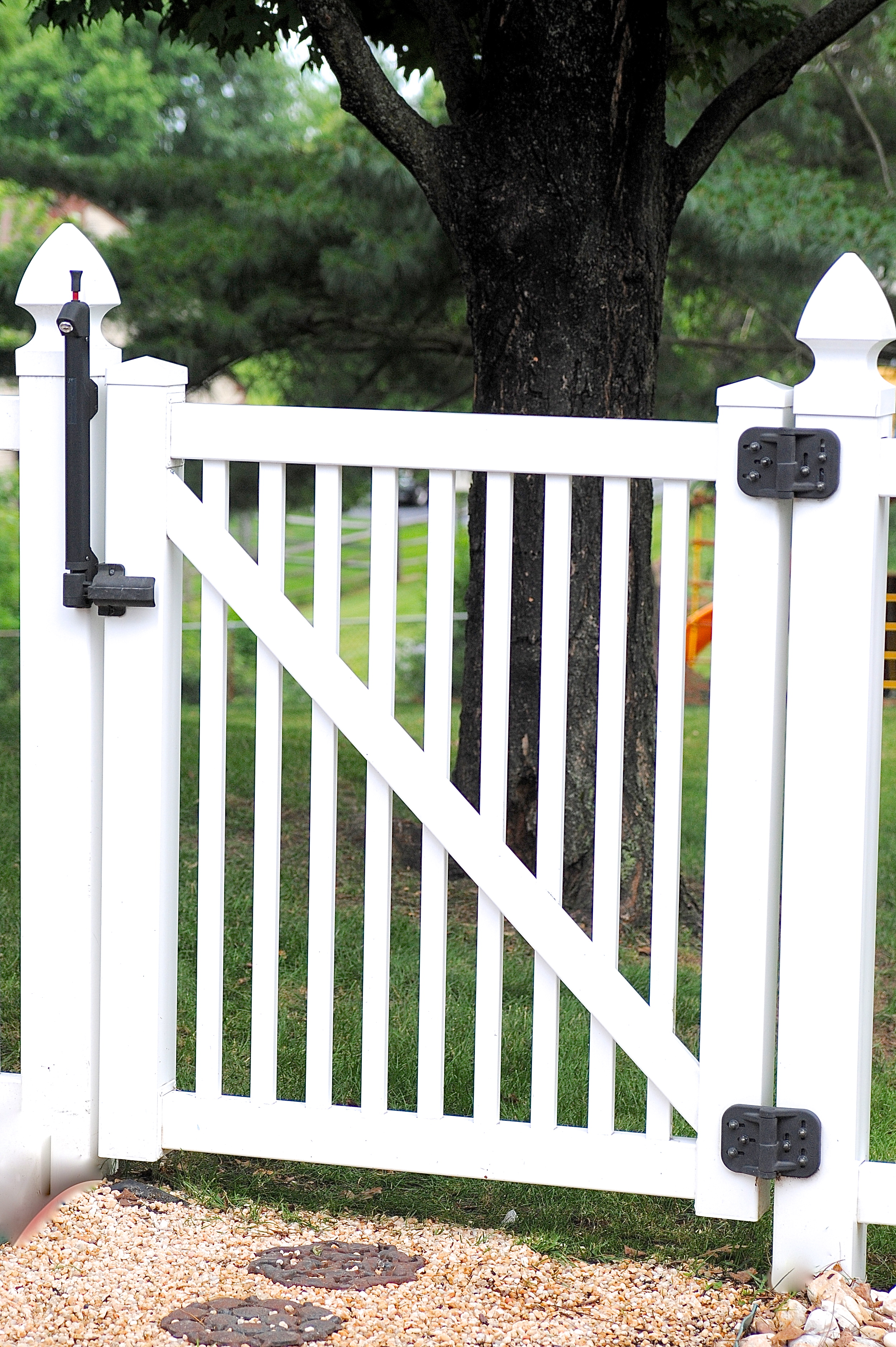 Diy Vinyl Fence Supplies Simple Tip For Quickly Cleaning Vinyl Fences And Outdoor Furniture