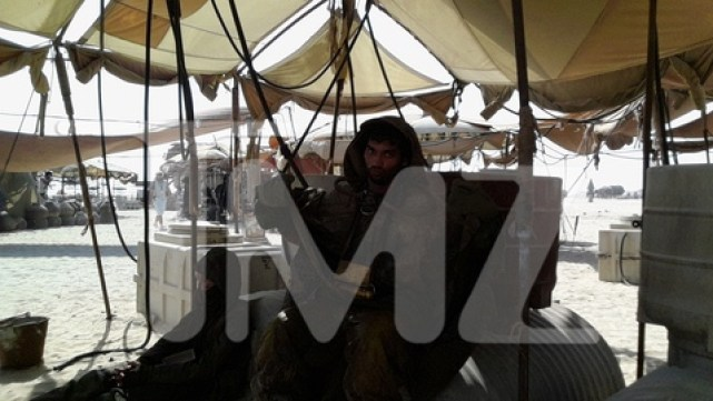Over 40 pictures from the Abu Dhabi Star Wars: Episode VII set!