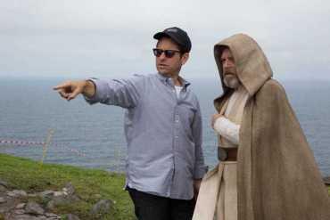 Star Wars: The Force Awakens Behind-the-Scenes in Ireland Video Features Luke Skywalker on Skellig Michael