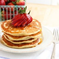 Quinoa Greek Yogurt Pancakes