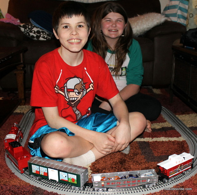 The Lionel Peanuts Christmas Train Set Is Something To Be Treasured
