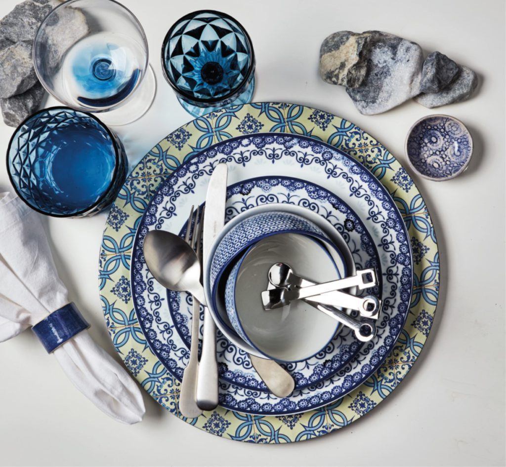 Delft H&m Deck The Tables 3 Table Looks To Set The Season