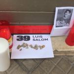 Centenares de personas homenajean a Salom ante su placa en Palma