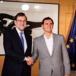 Rajoy se reúne con Albert Rivera para sumar apoyos y poder formar gobierno