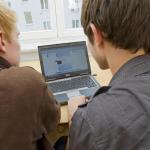 Los niños comparten demasiada información sensible en las redes sociales, según un estudio