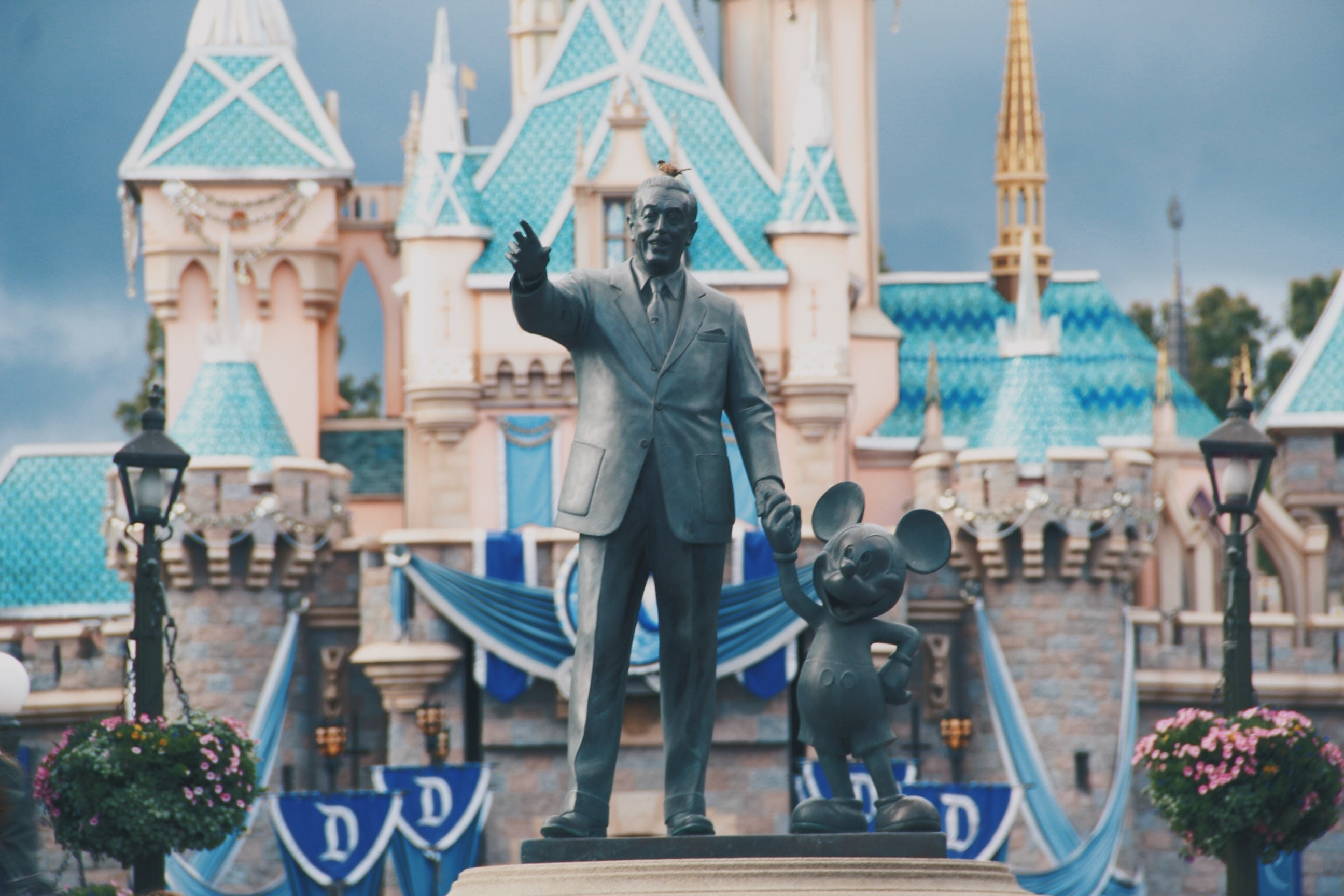 Disneyland Florida Disneyland Wouldn T Exist Without Life Insurance Life And Health