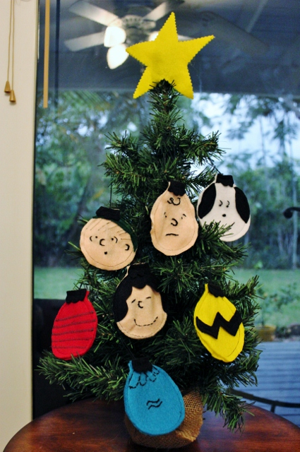 Charlie Brown Christmas Craft - Mamaguru - charlie brown christmas decorations