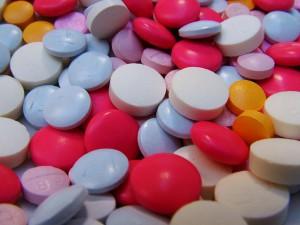 Pillen wie Smarties aloisiocostalatge / Pixabay
