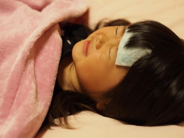 発熱で子供が震える!緊急性を見極めるチェック&家で出来る対処