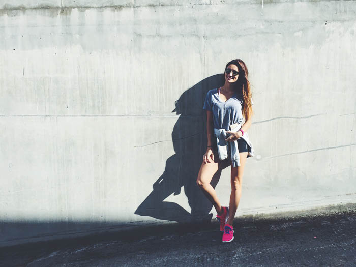 girl wearing nike sneakers and hoodie in levanger norway