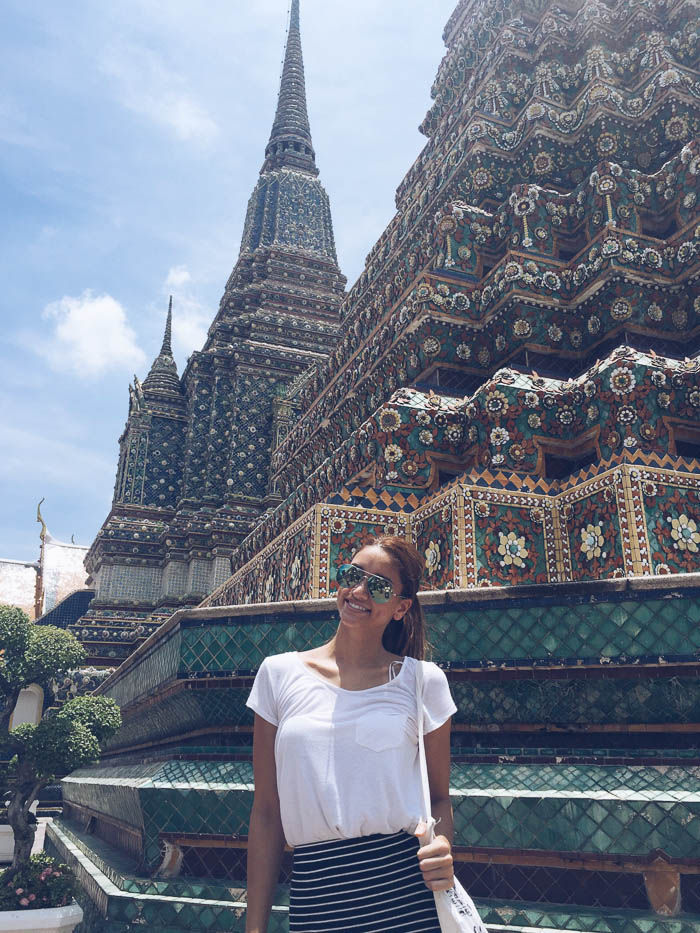 girl in front of wat pho