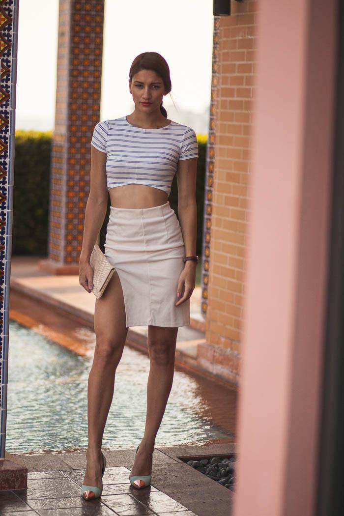 girl_wearing_outfit_bangkok