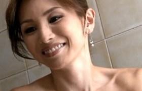 色っぽい妖艶熟れた女がエロ妄想で息子に突かれ中田氏痙攣w竹内宏美
