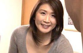 長身オバサンの叔母が若く逞しい甥の高速パコパコで痙攣イカされまくる。吉岡奈々子