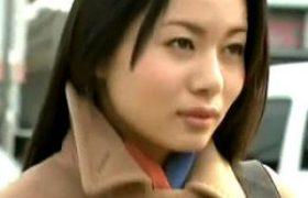 清純な美人は露出狂変わった女wバスの中で男を逆触るして潮吹き痙攣アクメ。北谷静香