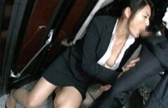 チョーキレイお母さんが娘の隣で凌辱されハメ潮吹きガクガク痙攣イカされまくる。竹内紗里奈・広瀬奈々美
