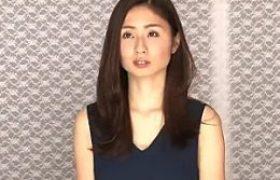 可憐な他人妻が100万円かけて潮吹き我慢。高速マシンバイブに耐えられず大洪水!前田可奈子