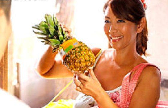 日焼けしたガングロ四十路美熟れた女が汗だく濃厚SEX。翔田千里